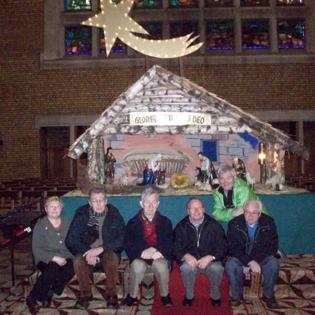 Afbeelding Zingen rond de kerststal